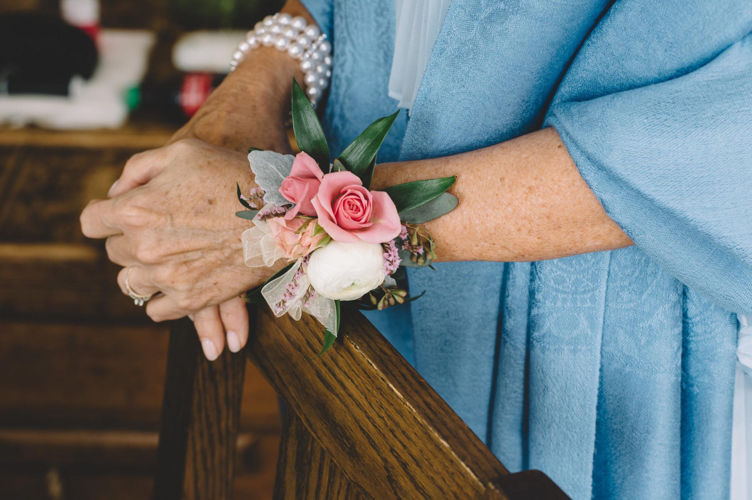 Szymon Szymczakowski_Tofino Wedding Florals