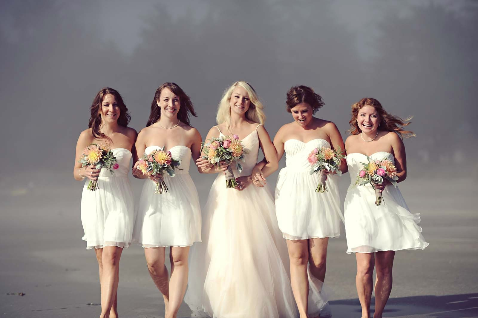 Erin Wallis Photography_Bride and Bridesmaids