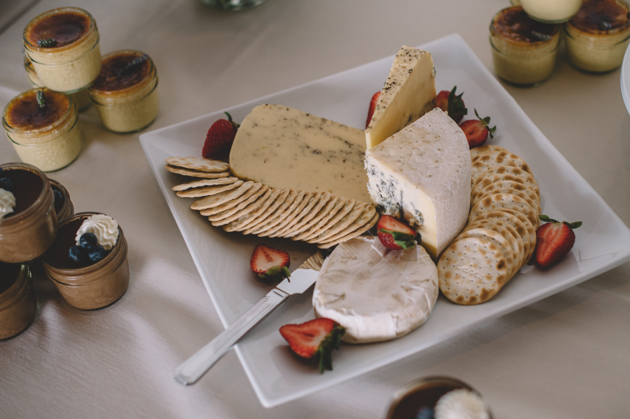 Szymon Szymczakowski_Crackers and Cheese Wedding Feast